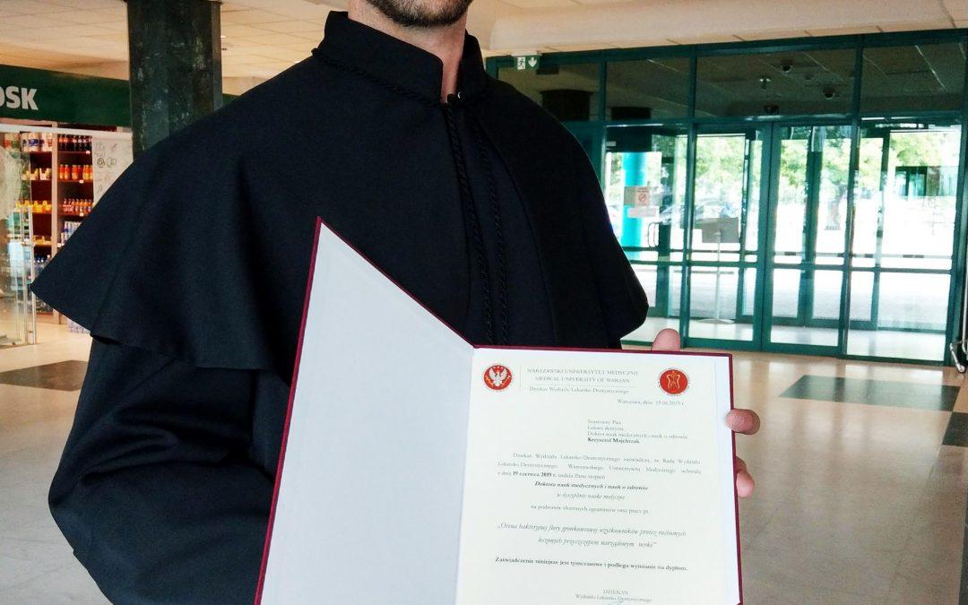 Nasz lekarz Krzysztof Majchrzak uzyskał tytuł naukowy doktora nauk medycznych