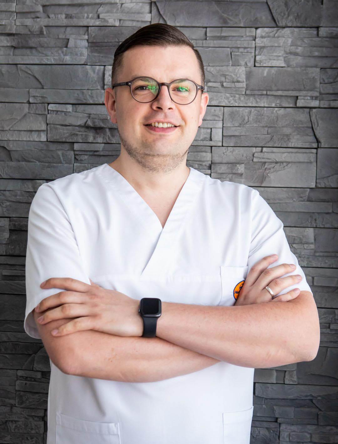 lekarz stomatolog Szymon  Wróblewski